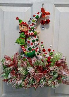 Super Fun DIY Christmas Decorations Ideas for Home - Mesh Wreath Diy Christmas Decorations For Home, Christmas Wreaths For Front Door, Holiday Wreaths, Christmas Projects, Tree Decorations, Holiday Crafts, Winter Wreaths, Spring Wreaths, Summer Wreath
