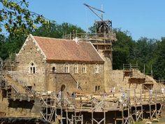 Building a medieval castle at Guédelon