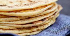 Glutenfria tortillabröd eller tortillas som du bakar på rismjöl, fiberhusk och majsmjöl. Gott använda till glutenfria tacos eller wraps. Recept ur boken Nytt bröd - baka gott utan gluten. Sugar Free Baking, Gluten Free Baking, Savoury Baking, Bread Baking, Gluten Free Treats, Gluten Free Recipes, Tortilla Bread, Dairy Free Bread, Gluten Free Tortillas