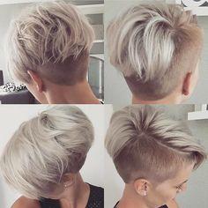 Kurze Frisuren sind im Jahr 2019 sehr beliebt. Frauen im Allgemeinen und Asche kurze Frisuren. Es gibt also viele Frisuren, aber wir wählen neue kurze. Short Hair Undercut, Short Hair Cuts, Pixie Cuts, Pixie Cut With Undercut, Shaved Pixie Cut, Funky Short Hair, Cheveux Courts Funky, Edgy Hair, Pixies