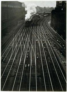 darksilenceinsuburbia:    Ergy Landau:Gare Saint-Lazare, 1934