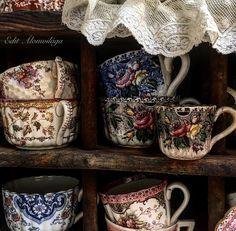 Spend that afternoon. Antique Dishes, Vintage Dishes, Antique China, Vintage China, Vintage Tea Rooms, Vintage Decor, Tea Service, Fine Porcelain, Tea Set
