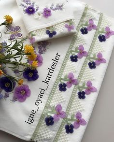 Cross Stitch Flowers, Napkin Rings, Napkins, Instagram, Decor, Boutique, Tejidos, Decoration, Towels