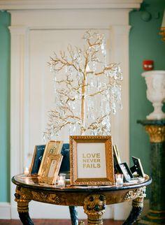 Photography: KT Merry - ktmerry.com Wedding Planner: A Charleston Bride - acharlestonbride.com   Read More on SMP: http://www.stylemepretty.com/2013/12/12/traditional-charleston-wedding/