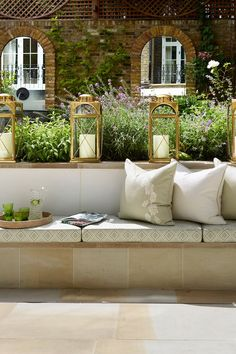 Mirror mirror. Lovely seating area.