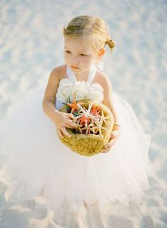 beach weddingでのアイテム特集♡リゾート気分を高める小物をあつめましたにて紹介している画像
