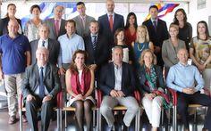 El Consejo Regulador prepara la estrategia promocional de Rioja para 2015 https://www.vinetur.com/2014091616750/el-consejo-regulador-prepara-la-estrategia-promocional-de-rioja-para-2015.html