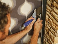 How to Install Fabric Wallcovering : Page 03 : Rooms : Home & Garden Television