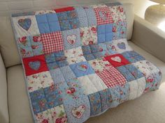 Handmade Patchwork Shabby Chic Quilt Cath Kidston Fabric Shabby Chic Quilts Shabby Chic Quilts For Sale Shabby Chic Bedspreads Australia Patch Quilt, Rag Quilt, Quilt Blocks, Quilt Baby, Crazy Quilting, Patchwork Quilting, Patchwork Cushion, Cath Kidston Quilt, Quilting Projects