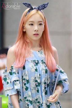 Find images and videos about snsd, girls generation and taeyeon on We Heart It - the app to get lost in what you love. Girls' Generation Taeyeon, Girls Generation, Korean Airport Fashion, Korean Fashion, Taeyeon Fashion, Girl Fashion, Taeyeon Jessica, Kim Tae Yeon, Scene Girls