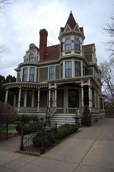 #Victorian home   -   http://dennisharper.lnf.com/