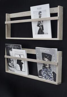 WKDCRNVL : Black and white details