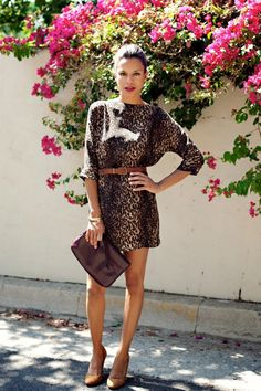 combination of clothes,outfit,leopard outfit,women outfit,women clothes,fashion,style,moda,women clothes combination,wear,what to wear,picture, (4) http://imgsnpics.com/leopard-outfit-picture-16/