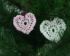 Crochet Heart Ornament: Free pattern here! These are so cute. They'd be great atop a baby booty as well! :) I starch with elmer's glue and water mix-half and half.