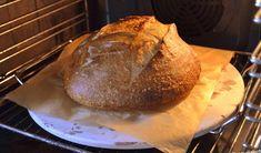 Cum se face maia naturală pentru pâine fără drojdie - rețeta de drojdie sălbatică | Savori Urbane Eggs Benedict Recipe, Breakfast Recipes, Bread, Cookies, Food, Crack Crackers, Brot, Biscuits, Essen