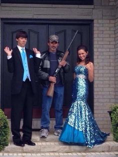 I must get a picture like this at my Junior prom with my date and daddy!!