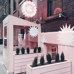 Excited to try the food at this pink paradise asap! #pietronolita