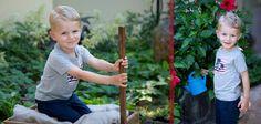 Luca genießt das Spielen im Garten bei der Kinderfotografin von CAM-Fotografie<3 Schön dass seine Eltern so gut vorbereitet waren und sogar seine Lieblingsgießkanne mitgebracht haben Baseball, Sports, Blog, Playing Games, Parents, Garten, Kids, Nice Asses, Baseball Promposals