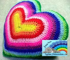 Almohadon Diy Crochet Pillow, Crochet Cushions, Crochet Home, Love Crochet, Knit Crochet, Crochet Leaf Patterns, Crochet Leaves, Crochet Flowers, Diy Pillows