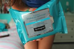 makeup wipes. ♡ By: ♡Volleyball Beauty♡ (VolleyballBeaut)
