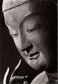 Close up of a sitting wooden statue of Maitraya, Prpperty of Koryu-ji temple, National Treasure of Japan 広隆寺弥勒菩薩半跏像左半面相 国宝