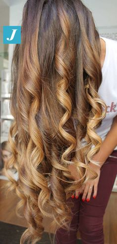 XXLong _ Degradé Joelle. #cdj #degradejoelle #tagliopuntearia #degradé #igers #musthave #hair #hairstyle #haircolour #longhair #ootd #hairfashion #madeinitaly #wellastudionyc