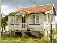 gingerbread and lace house in Windward, Carriacou