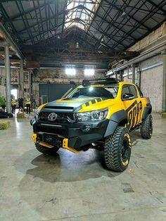 Toyota Hilux Tonka – truck mod ideas for bumper hood and lights – Cars is Art Toyota Hilux 4x4, Toyota Trucks, Toyota Cars, Custom Trucks, Cool Trucks, Pickup Trucks, Cool Cars, Dually Trucks, Toyota Tundra