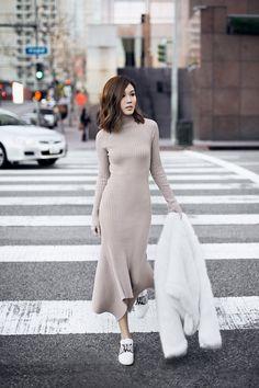 Minimal+chic, knit dress, street look Fashion Casual, Fashion Mode, Casual Chic, Korean Fashion, Winter Fashion, Fashion Outfits, Sporty Chic, Ootd Fashion, Dress Fashion