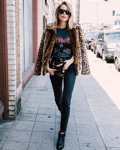 Anine bing steeze cool steeze in 2019 anine bing, leopard print outfits, fa Black Booties Outfit, Fur Coat Outfit, Leopard Print Outfits, Leopard Print Jacket, Leopard Coat, Looks Street Style, Looks Style, Looks Rock, Mode Outfits