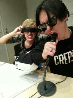 Crazy boys xD IKE and MOMIKEN