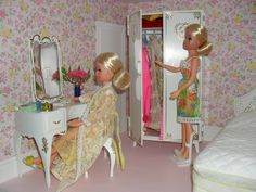Vintage Sindy Doll Bedroom Furniture - From my own collection 1980s Childhood, Childhood Memories, Doll Furniture, Bedroom Furniture, Dolly House, Sindy Doll, Retro Toys, Hello Dolly, Vintage Dolls