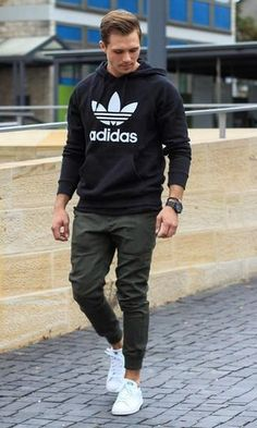 Guys Back to School Fashion - Casual Comfy Outfit - Adidas hoodie + Joggers + Adidas Stan Smith Sneakers Mode Masculine, Boy Fashion, Fashion Outfits, Fashion Trends, Urban Style Outfits Men, Style Men, Sporty Fashion, Men Style Tips, Style For Men Casual