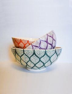 ensaladera bowl ceramica a mano Pottery Bowls, Ceramic Bowls, Ceramic Pottery, Painted Clay Pots, Painted Plates, Ceramic Painting, Ceramic Art, Pottery Designs, Pottery Ideas
