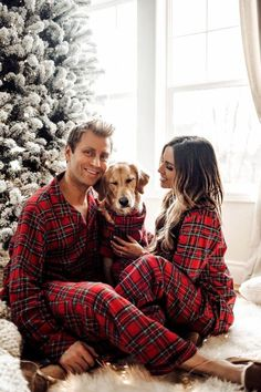 06 DEC, 2017 Christmas Pajamas For The Whole Family - Outfit Details Wearing the Holiday Plaid Collection (XS on me, M on Phil and XL on Luna) christmas pictures with baby outfits holiday cards Dog Christmas Pictures, Christmas Couple, Christmas Photo Cards, Merry Christmas, Christmas Card Photo Ideas With Dog, Christmas Photography Couples, Christmas Ideas, Family Pictures, Christmas Christmas