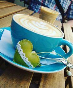 Mikor a kávézás baráti és munka is. Mikor szívünket kitesszük és jár az agyunk is. PÉCSI KÁVÉ - a lattem, ahogy szeretem