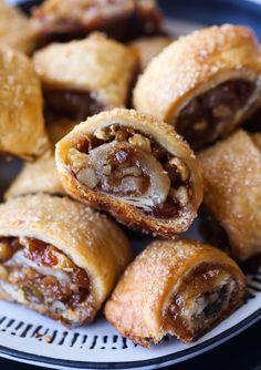 Holiday Baking, Holiday Desserts, Fun Desserts, Dessert Recipes, Jewish Desserts, Christmas Baking, Jewish Food, Delicious Desserts, Holiday Foods