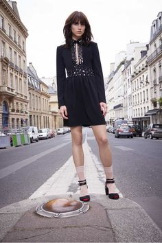 How to Master French-Girl Street Style. #streetstyle #fashion #frenchstyle