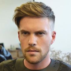 There are many fashionable ways to wear a comb over fade haircut. Because a comb over is a versatile, trendy hairstyle, it is perfect for all hair types. Trendy Mens Haircuts, Best Short Haircuts, Popular Haircuts, Cool Haircuts, Trendy Hairstyles, Men's Haircuts, Undercut Pompadour, Undercut Hairstyles, Mens Haircut Undercut