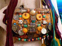 Beaded-Berber-Bag-With-Antique-Amber-Silver-Amzrou-Zagora