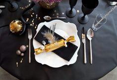 Sorprende a tus invitados con esta ideas en #Decoración para fin de año. #Hogar #FelizAño #interior Santa Margarita, Christmas Crackers, Idee Diy, Nouvel An, Washi Tape, A Table, Christmas Time, Table Decorations, Tableware