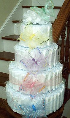 Butterfly diaper baby shower cake so pretty Cadeau Baby Shower, Baby Shower Crafts, Baby Shower Diapers, Baby Crafts, Baby Shower Parties, Baby Shower Themes, Shower Ideas, Shower Gifts, Baby Showers