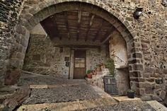 Santa Pau és una vila i municipi de la comarca de la Garrotxa, a les Comarques Gironines.