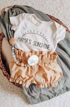 Small Shop Love: Tali & Co - Erziehung Small Shop Love: . Small Shop Love: Tali & Co - Erziehung Small Shop Love: Tali & Co Kleidung Fashion Kids, Baby Girl Fashion, Babies Fashion, Toddler Fashion, Baby Kind, My Baby Girl, Baby Girl Onesie, Baby Girl Stuff, Cute Baby Stuff