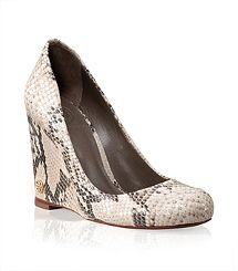 af84267c784 Python Print Annelise Wedge! Sure wish they had my size! Love these shoes!