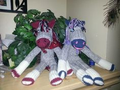 One day I was scrolling thru things to make for my grandson for Christmas. I came across this cute sock horse that was make just like a sock monkey. Now that Christmas is almost upon us I figured… Sock Monkey Pattern, Sock Monkey Baby, Pet Monkey, Sewing Stuffed Animals, Sock Dolls, Sock Animals, Cute Socks, Craft Sale, Horse Tack