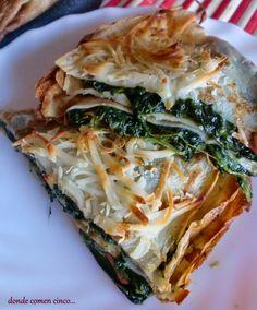 Donde comen cinco....: Crepes de espinacas con salchichas y queso