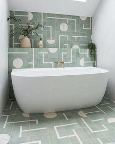 Bathroom Basin, Washroom, Small Bathroom, Master Bathroom, Victoria And Albert Baths, Bathroom Trends, Bathroom Ideas, Shower Screen, Wet Rooms