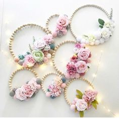 Decor Crafts, Diy Room Decor, Home Crafts, Diy And Crafts, Home Decor, Felt Flowers, Paper Flowers, Embroidery Hoop Crafts, Floral Hoops