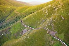 South Africa's Rovos Rail has one of the largest fleets of refurbished trains from the late and early and operates painstakingly restored vintage coaches. Exotic Places, Ways To Travel, Travel Ideas, By Train, Places Of Interest, Train Rides, Train Travel, Architectural Digest, Luxury Travel